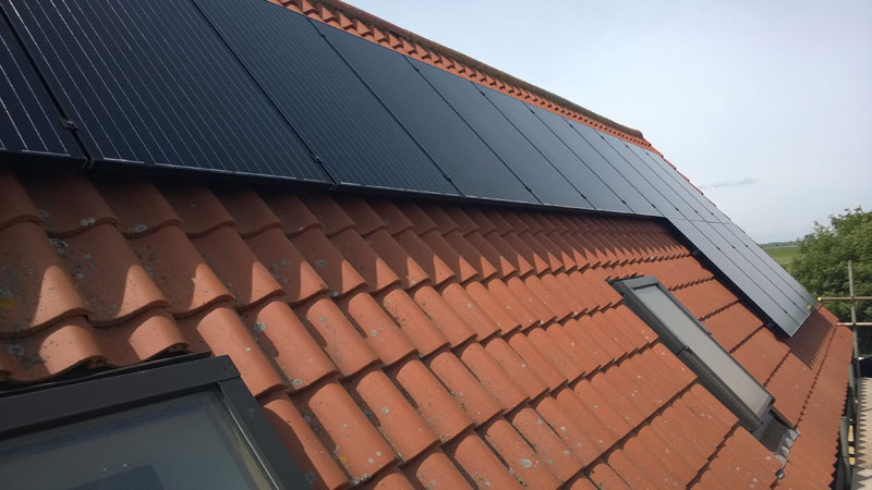 Solar Panels UK - Domestic solar pv system in Oxfordshire