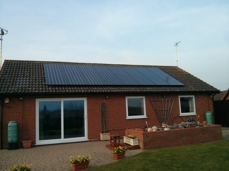 Example 4 kWp Domestic solar pv system